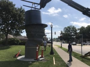 Living Lincoln Topiary Monument installation